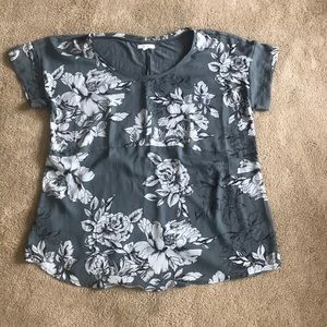 Maurices floral blue/gray shirt